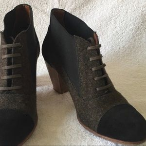 Rachel Comey THISTLE Wool & Suede Lace up Booties